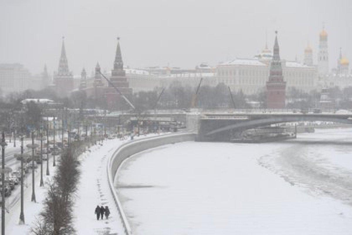 """""""En Moscú han caído 56 centímetros de nieve, la última vez que había caído tanta nieve en la capital fue en marzo de 2013"""", dijo un portavoz del servicio meteorológico Fobos a la agencia RIA Nóvosti."""