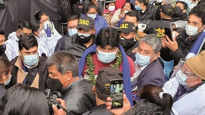 Dirigentes afirman que 200 guardias sindicales dan seguridad a Evo
