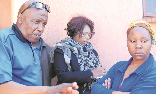 Oupa Mthombeni (left) of the Concerned Tshwane Liquor Traders Association warned tavern owners about the s.ex stokvels