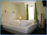 Jedes Zimmer hat 2 Betten, in einigen ist Platz für ein Zustellbett