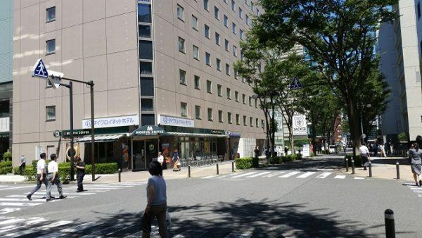 新横浜駅ブルーライン7番出口から横浜アリーナへ向かう(ダイワロイネットホテル前)