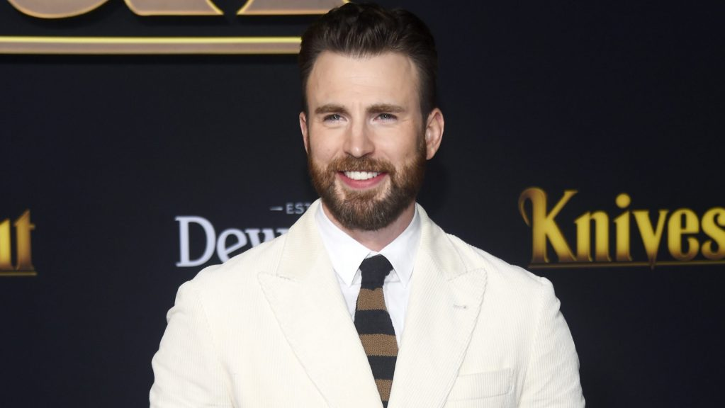 chris-evans-calls-accidental-nsfw-photo-leak-'embarrassing,'-thanks-fans-for-'support'