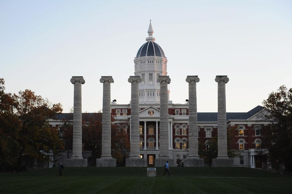university-of-missouri-expels-two-students,-suspends-three-for-violating-coronavirus-rules