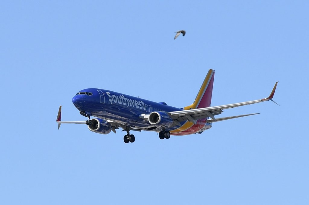 southwest-airlines-trims-cash-burn,-will-keep-middle-seats-open-through-november
