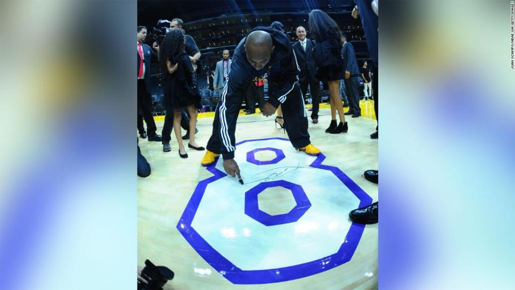 memorabilia-from-kobe-bryant's-final-game-could-auction-for-more-than-$500,000