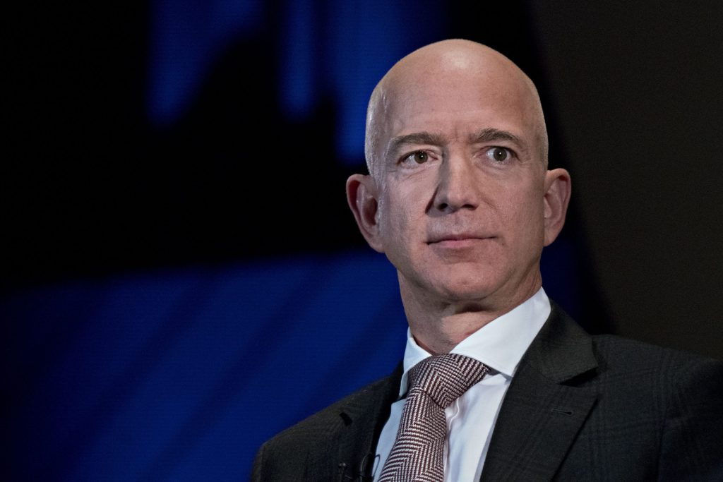 bezos,-musk,-zuckerberg-and-gates-lose-a-collective-$25-billion-in-net-worth-after-tech-stocks-fall