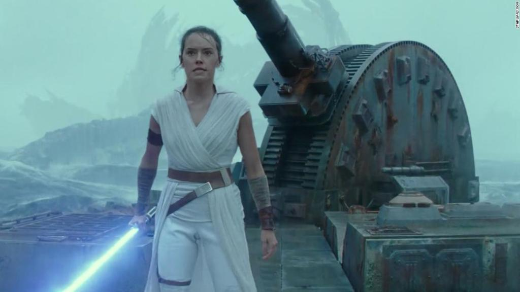 daisy-ridley-reawakens-the-'star-wars'-debate-over-rey's-lineage