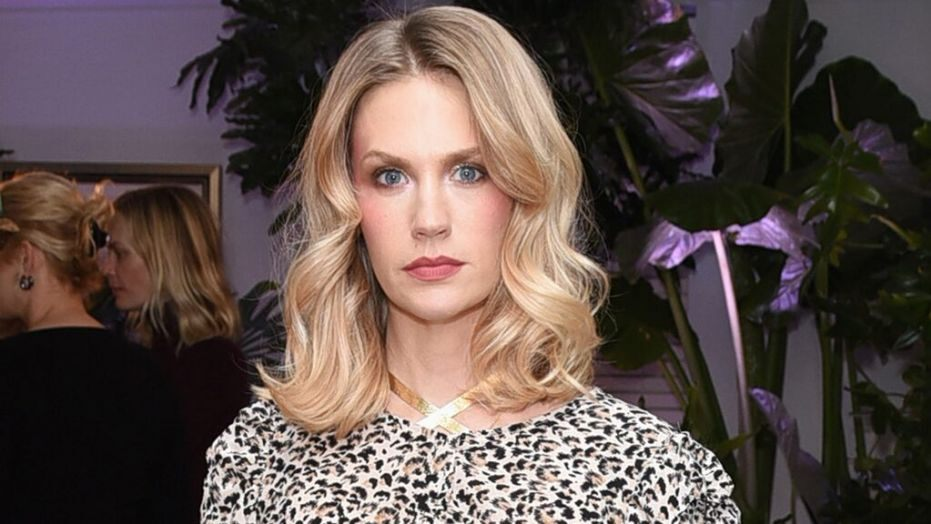 January Jones poses in pink bra with important breast cancer message: 'Don't procrastinate ladies!'