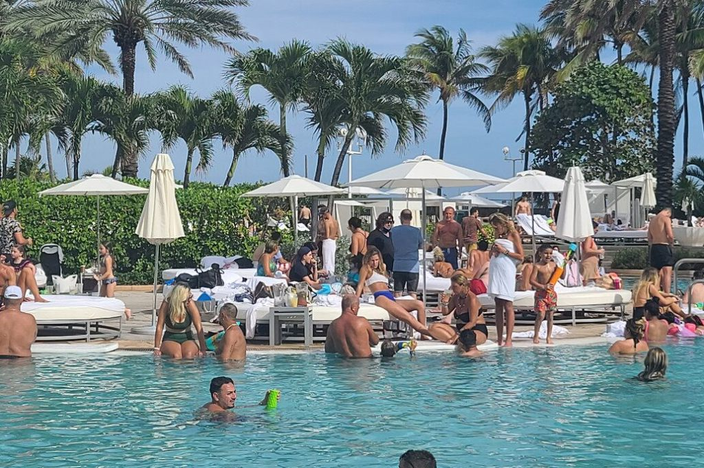 Florida beach and bar parties rage on amid alarming surge in COVID-19 cases