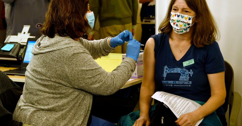 Hold on, teachers. Colorado says older folks get COVID vaccine first