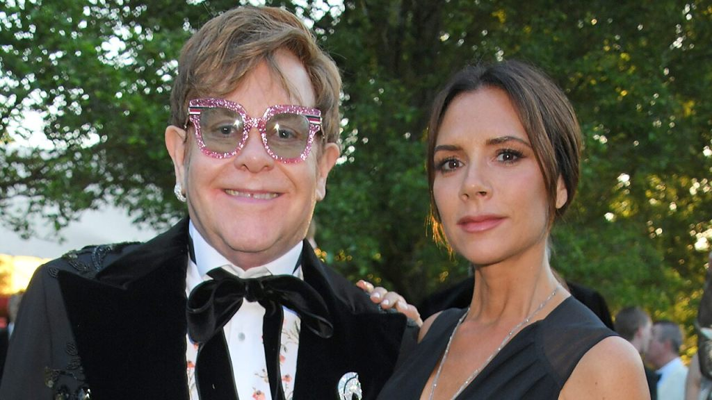 Victoria Beckham says an Elton John performance inspired her to 'step away from' the Spice Girls