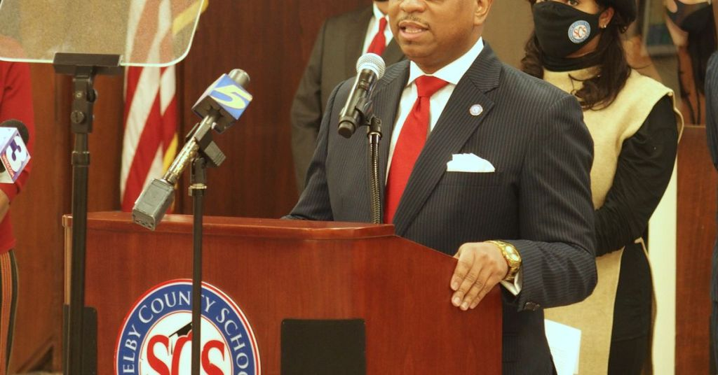 Memphis superintendent proposes closings, mergers, expansion of schools