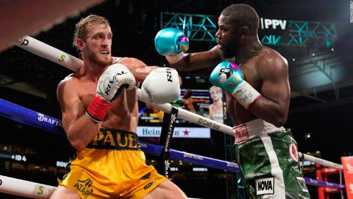 Floyd Mayweather Jr. and Logan Paul box for eight rounds in exhibition pay-per-view fight