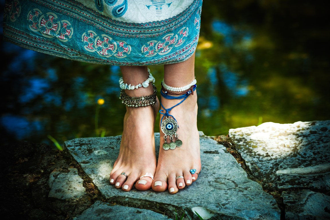 woman barefoot boho summer fashion style jewelry