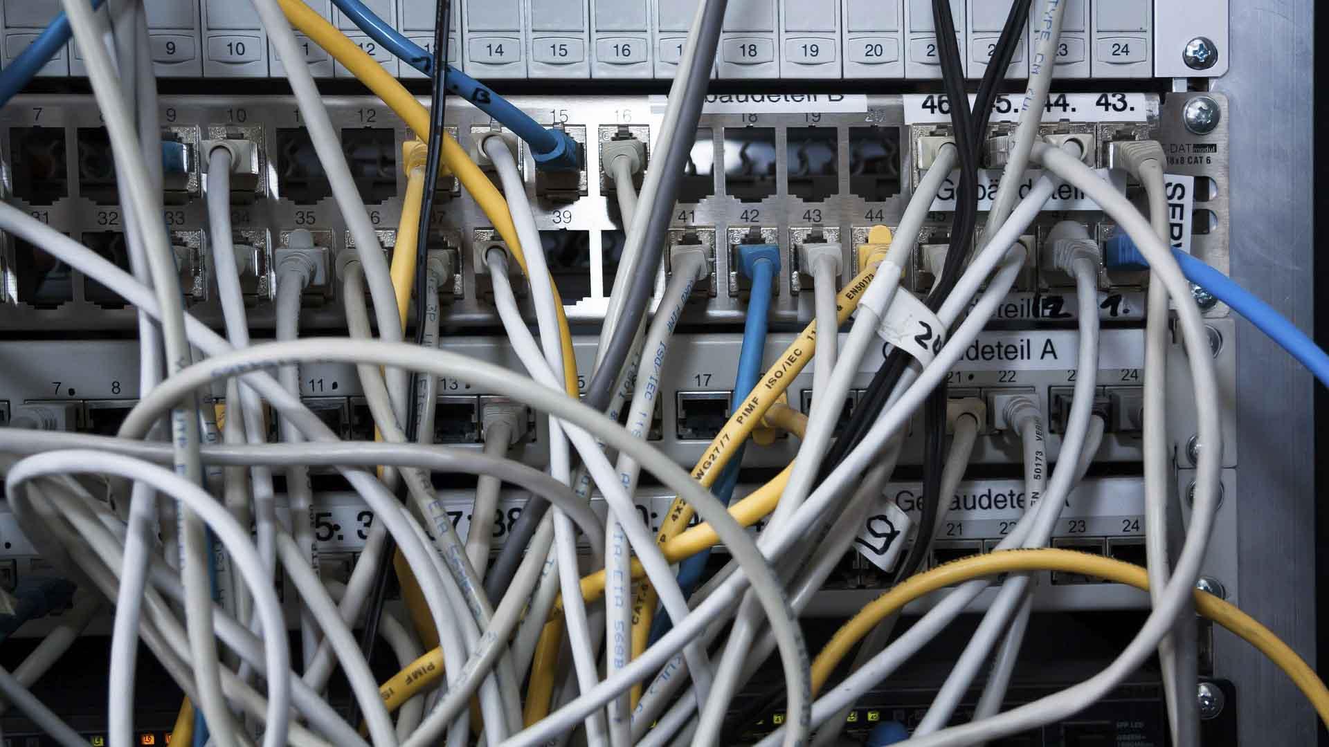 câbles réseaux mélangés