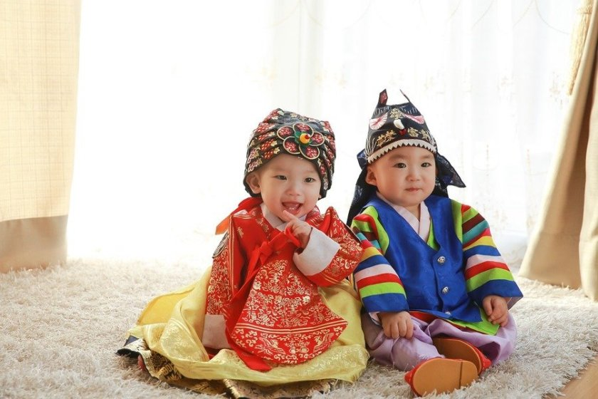babies-in-new-year-cloths