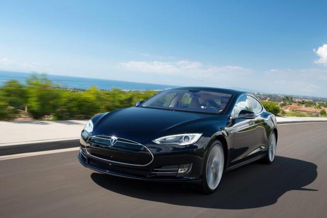 Tesla-Model-S-01-666x444