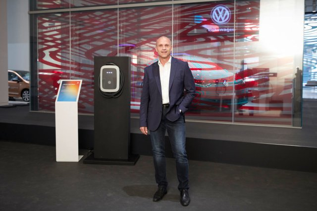 Volkswagen plans 36,000 charging points for electric cars throug