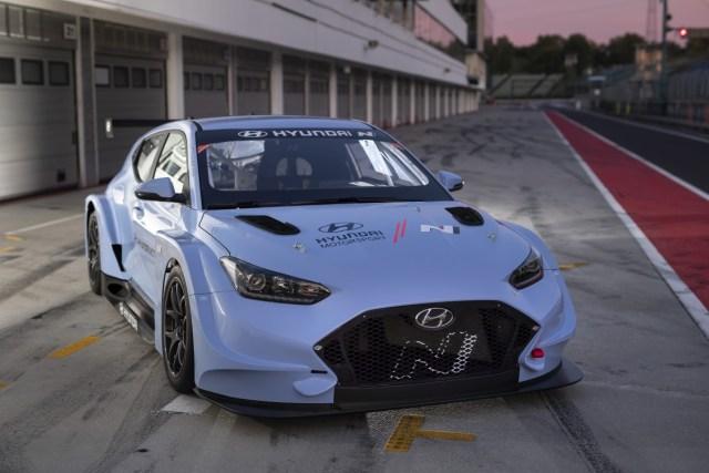 2019-elektromobil-Hyundai-Veloster-N-ETCR- (4)