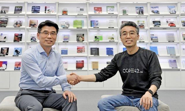 1_Start-up,PurpleM´_Ho Sung SONG, KIA(vlevo)_&_Chang SONG, Code42.ai(vpravo)