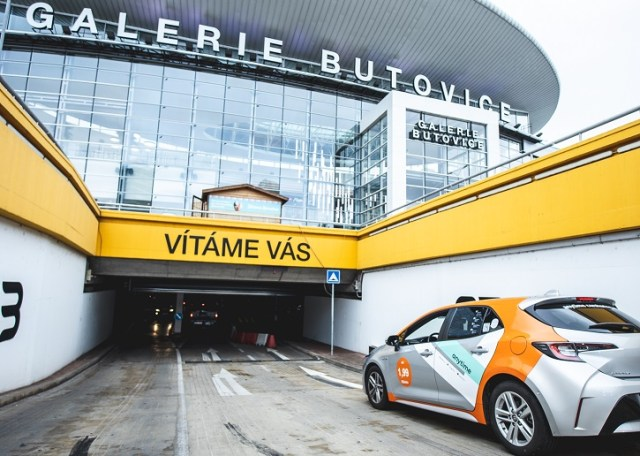 Anytime-carsharing-parkovani-Galerie-Butovice-