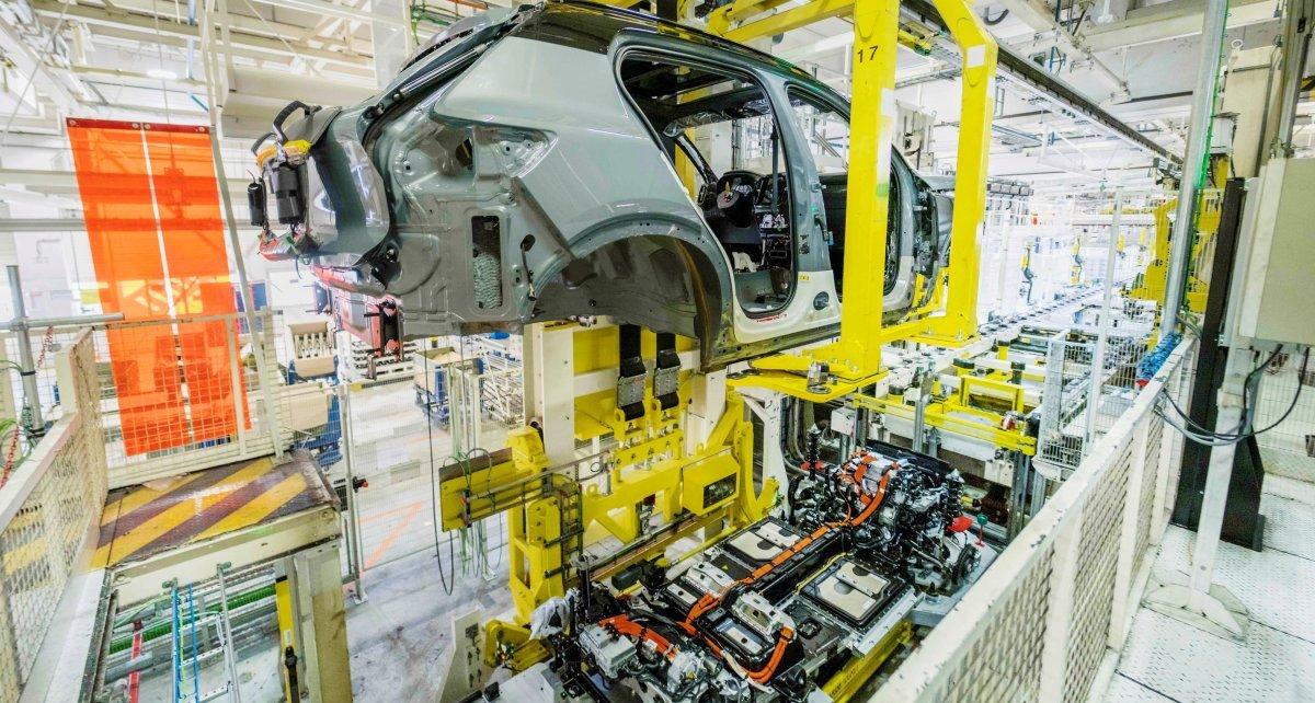 Volvo_XC40_Recharge-zahajeni_vyroby- (2)