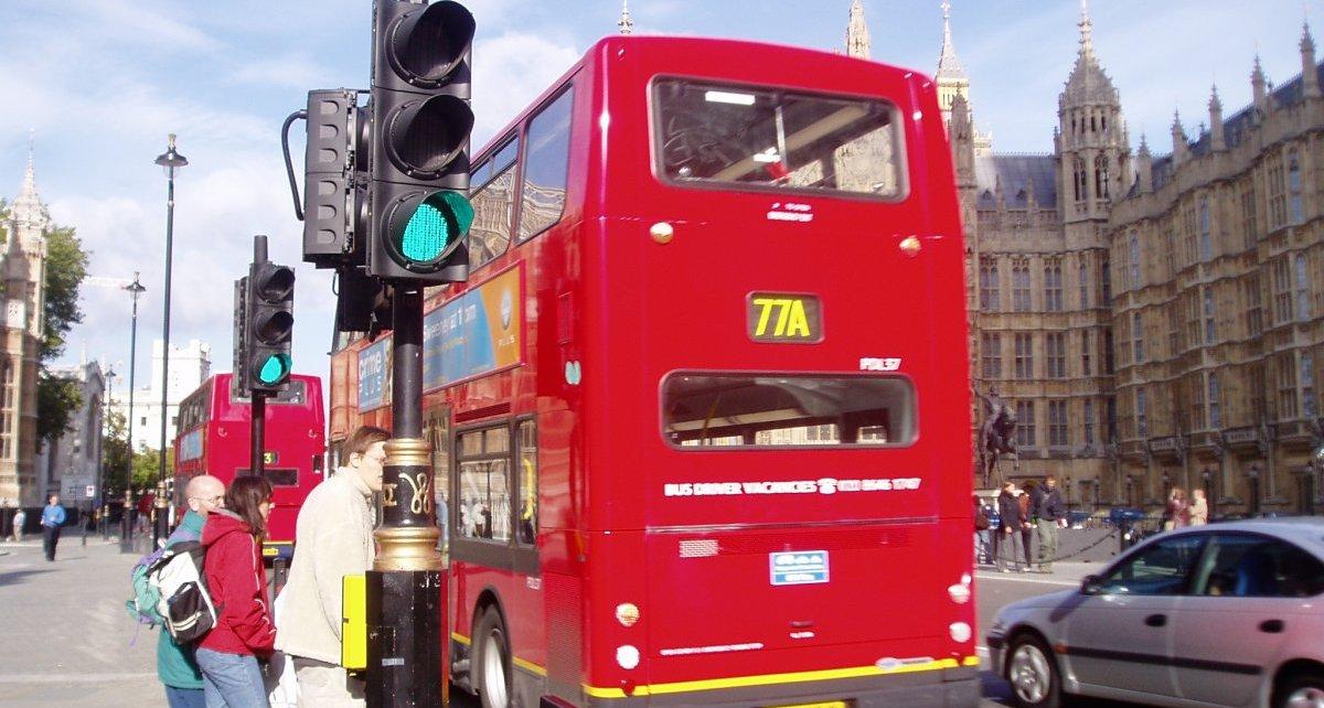 Siemens_Smart_Infrastructure-dobijeni_elektrickych_autobusu-Double_Decker-Londyn- (2)
