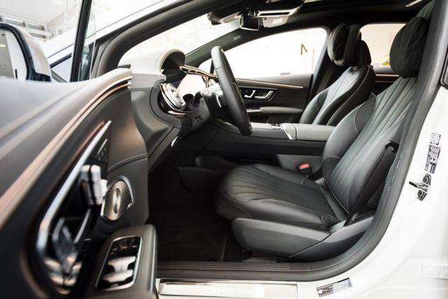 2021-Mercedes-Benz_EQS-8
