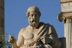 Κρατήρες και ένα ναυάγιο στο λιμάνι της Πάτρας – νέα ευρήματα