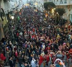 Βούλιαξε και φέτος το Λουτράκι με το Καρναβάλι