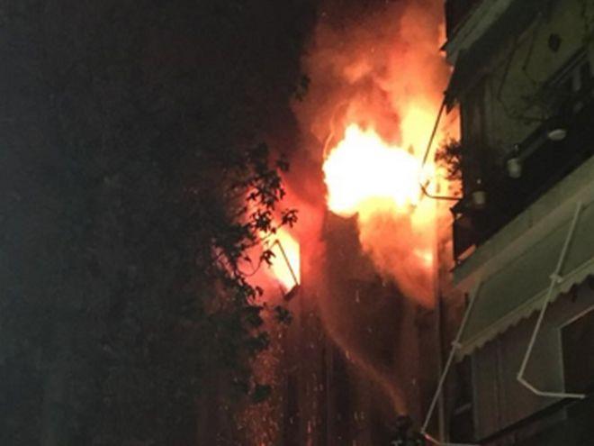 Στις φλόγες το κτίριο της Β' ΔΟΥ