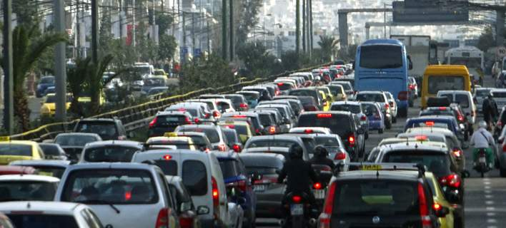 Διευθυντής Τροχαίας Αθηνών: Περιμένουμε 100.000 οχήματα -Αν επιστρέψουν μαζί, θα έχουμε κίνηση για περίπου 10 ώρες