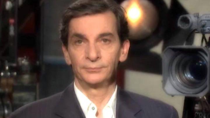 Την ταυτότητα μέλους της ΕΣΗΕΑ παραδίδει ο δημοσιογράφος Σωτήρης Καψώχας
