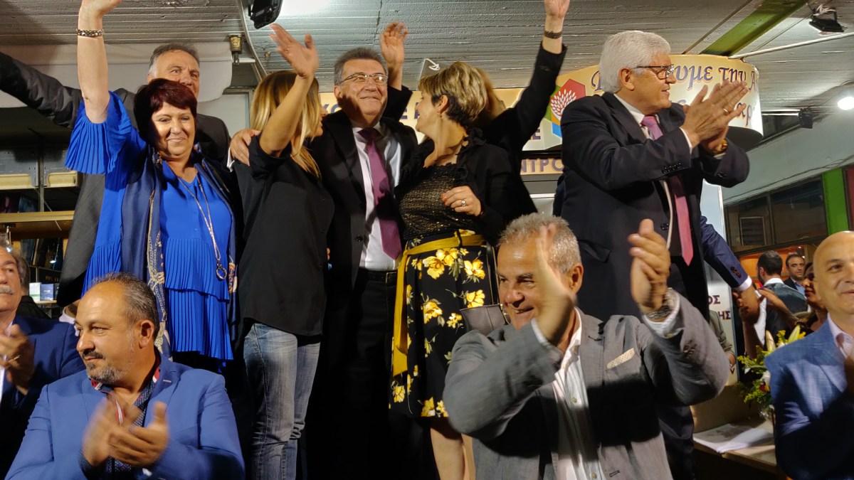 Με μία πολύ μεγάλη συγκέντρωση εγκαινίασε το εκλογικό του κέντρο ο Νίκος Σταυρελης