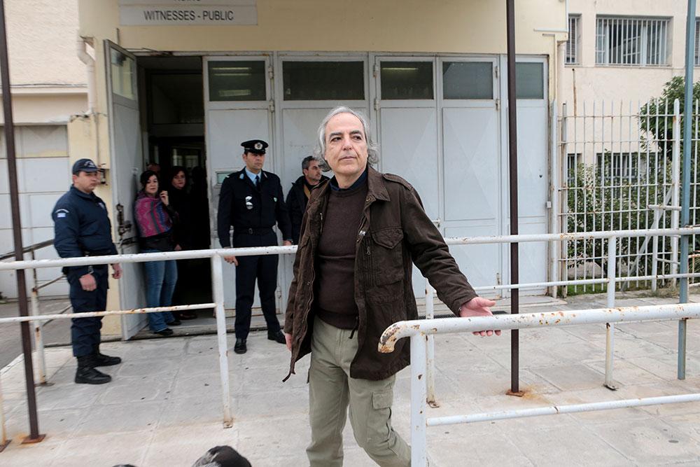 Σταματάει την απεργία πείνας ο Δ. Κουφοντίνας μετά την απόφαση του Αρείου Πάγου