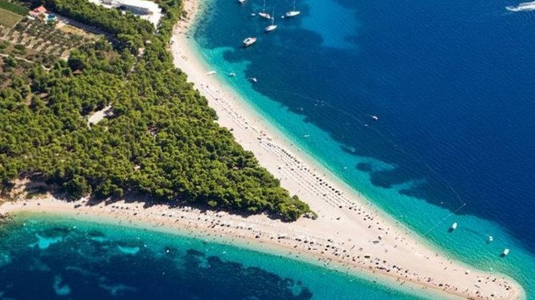Αυτές είναι οι 50 καλύτερες παραλίες του 2019 – Δύο ελληνικές στη λίστα
