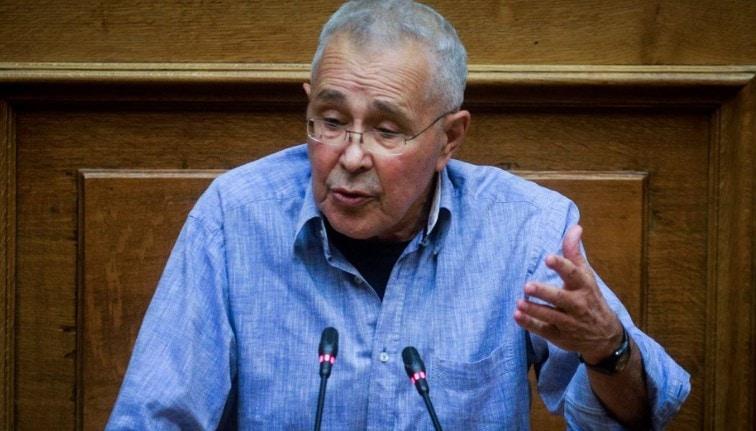 Βίντεο με παραλήρημα Ζουράρι: «Η κυβέρνηση πάσχει από μπατηρημένη κ@@λ@»