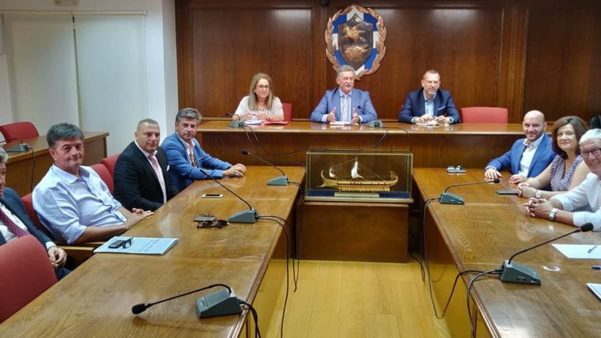 Ο Βασίλης Νανόπουλος παρουσίασε τους αντιδημάρχους του