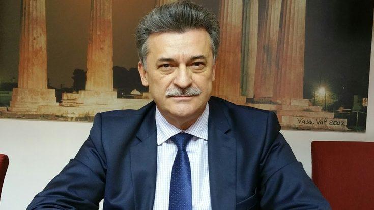 Ο Βασίλης Νανόπουλος επίτιμος πρόεδρος του Επιμελητηρίου