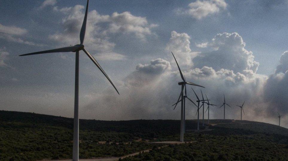 Επενδύσεις 10 δισ. ευρώ σε φυσικό αέριο και ΑΠΕ