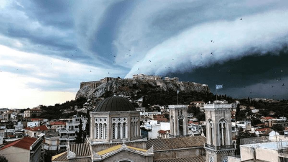 Shelf cloud: To σπάνιο φαινόμενο που «κατάπιε» την Αττική (pics)