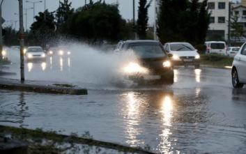 Κακοκαιρία Γηρυόνης: Διεκόπη η κυκλοφορία στην Αθηνών-Κορίνθου – Προβλήματα σε Κινέτα, υπερχείλισε το ρέμα της Πίκας