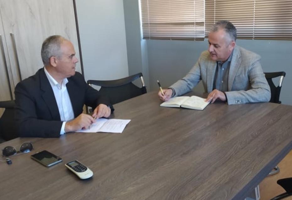 Συνάντηση του Δημάρχου Βέλου Βόχας με το βουλευτή Νίκο Ταγαρά