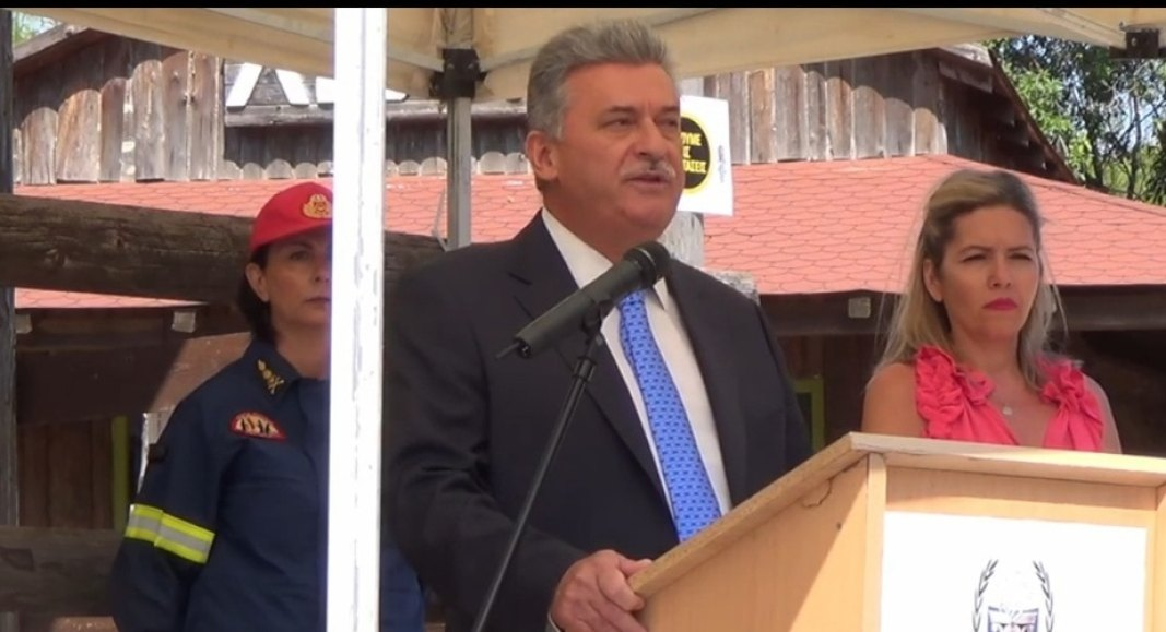 Ο Δήμαρxoς Κορινθίων ευχαρίστησε την οικογένεια  Σκουρα