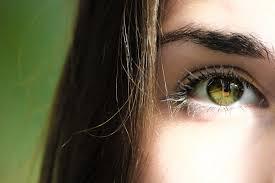 Η καθημερινή συνήθεια που προφυλάσσει την όραση μέχρι τα βαθιά γεράματα
