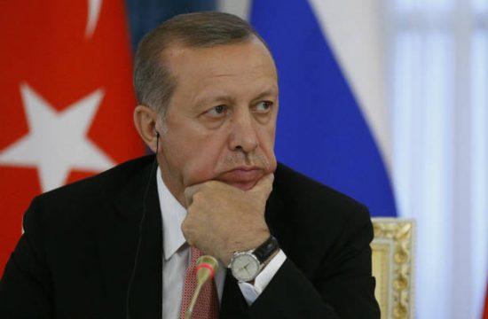 CNBC: Η τουρκική λίρα «θηλιά» για τον Ερντογάν- Χωρίς τέλος ο κατήφορος
