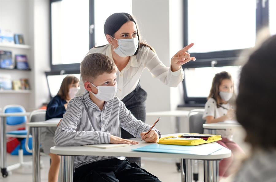 Γώγος: Χρήση μάσκας στα σχολεία, αλλά και εμβολιασμός του πληθυσμού για τη γρίπη
