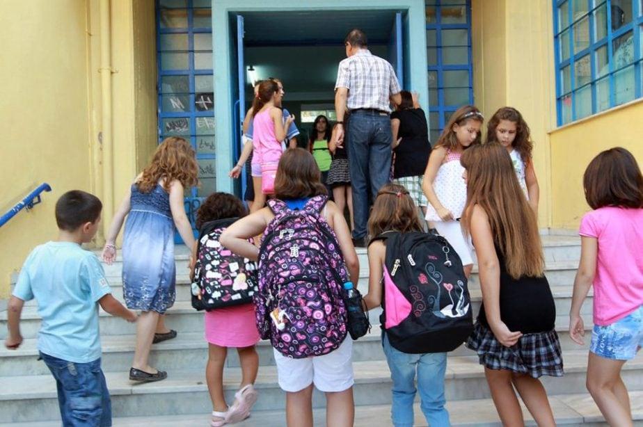 Άνοιγμα σχολείων: Είναι επίσημο -Ανακοίνωσε την ημερομηνία ο Πέτσας