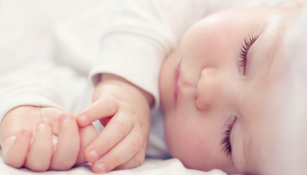 Η σωστή προετοιμασία του μωρού σας για έναν γλυκό, βραδινό ύπνο