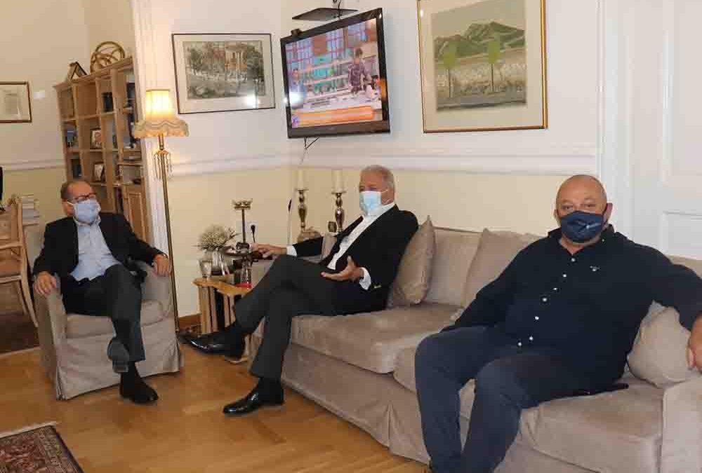 Αξιοποίηση από την Περιφέρεια Πελοποννήσου της εμπειρίας του Δ. Αβραμόπουλου, συνάντηση με τον περιφερειάρχη Π. Νίκα